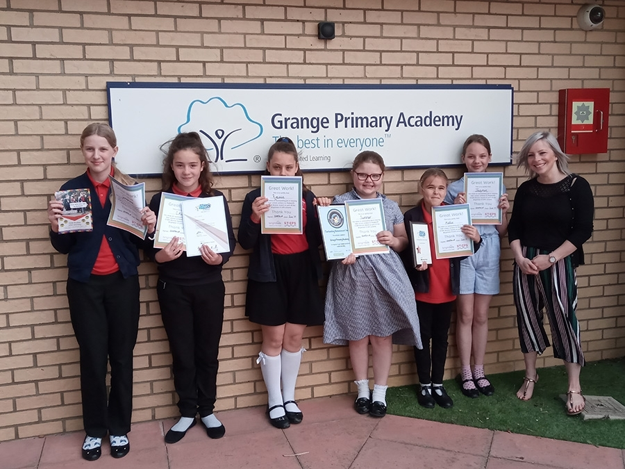 Grange Primary Academy are the first school in the County to awarded a bronze Modeshift STARS award. They recently received their award from the new Mayor of Kettering together with a RSH Achievement Award. Keep up the great work!